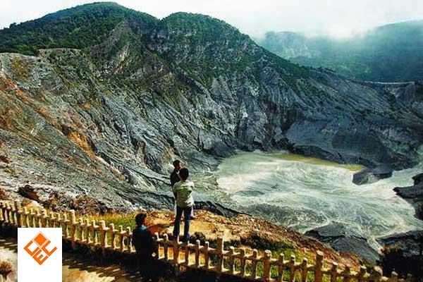 The Legend of Sangkuriang and the Origin of Tangkuban Perahu Mountain