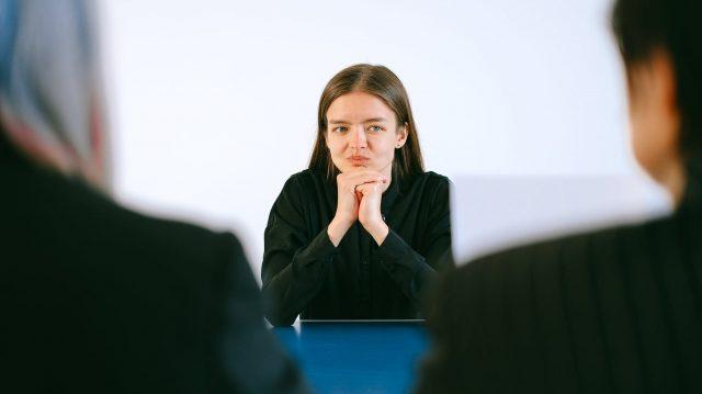 10 Pertanyaan Bahasa Inggris yang Sering Ditanya Pas Interview Kerja
