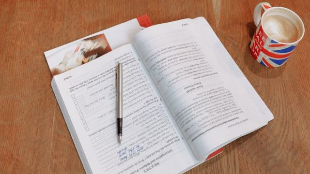 Belajar Present Perfect Continuous Tense, Kalimat Verbal dan Nominal