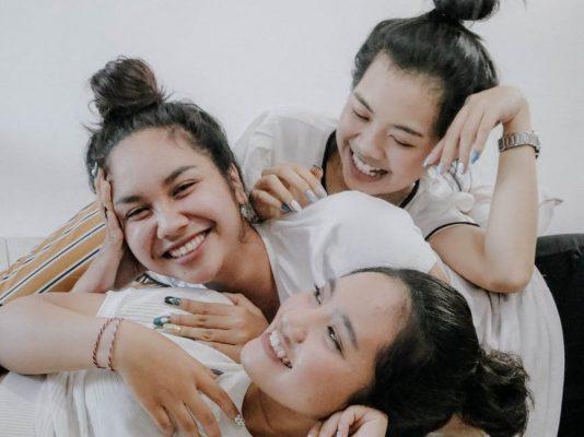 Stepsister Kosakata Bahasa Inggris tentang Keluarga - Kakak tiri