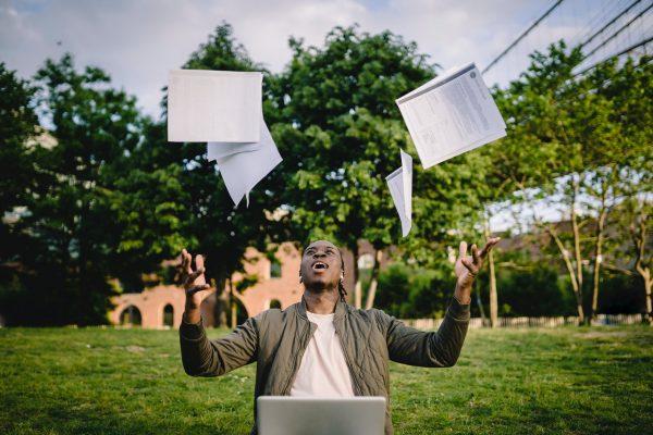 Tips tentang TOEFL: 5 langkah untuk mempersiapkan kesuksesan.